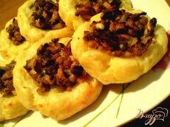 «Картофельные ватрушки с грибами» - приготовления блюда - шаг 12