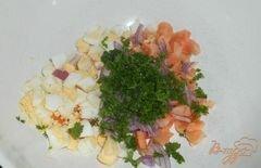 «Салат «Праздничный» с семгой и икрой» - приготовления блюда - шаг 2