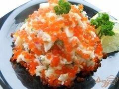 «Салат «Праздничный» с семгой и икрой» - приготовления блюда - шаг 6