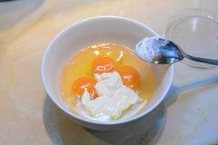 «Яичная запеканка с курицей и лапшой» - приготовления блюда - шаг 3