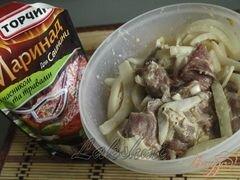 «Свинина в чесночном маринаде с картофелем в духовке» - приготовления блюда - шаг 2