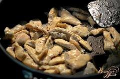 «Куриный салат с сырными слойками» - приготовления блюда - шаг 1