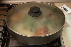 "Цыпленок по-грузински ""Шкмерули"" – кулинарный рецепт"