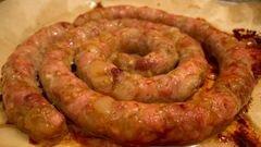 Колбаса домашняя свиная с курицей – кулинарный рецепт
